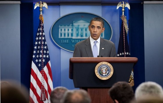 Obama_press_briefing-rf